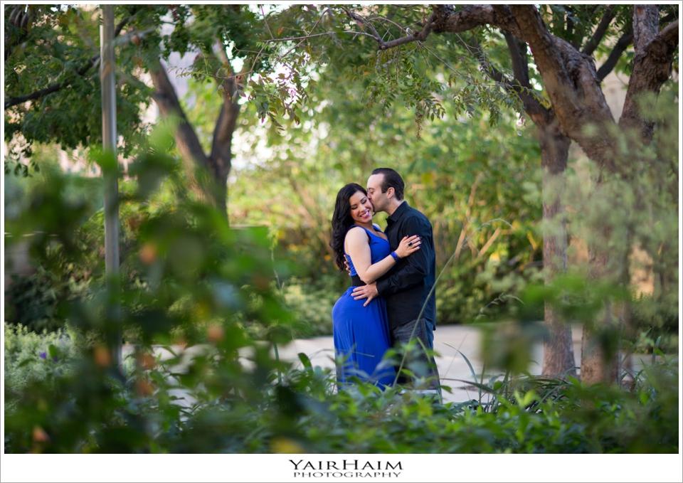 Disney-Concert-Hall-engagement-pre-wedding-photos-21