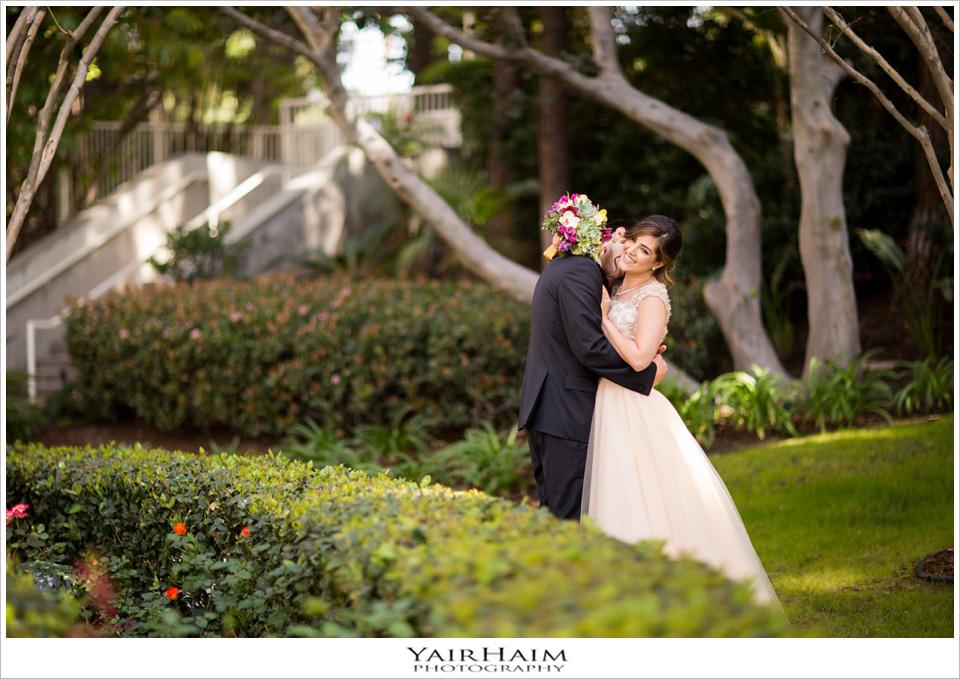Los-Angeles-hyatt-regency-century-plaza-wedding-photos-16